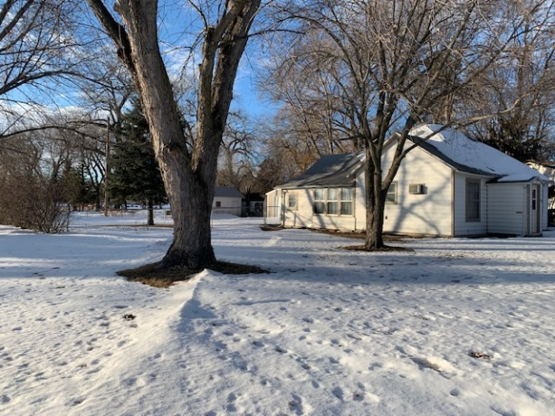 1104 N Main, South Dakota, ,Home,For Sale,1104 N Main,1050